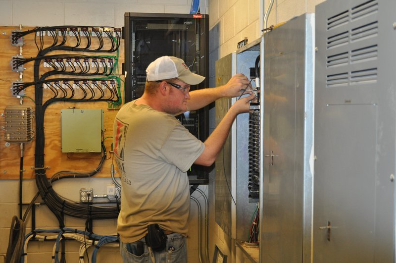 commercial electrician in Irmo, SC
